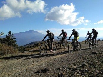 Hike and Bike Tour Etna – Mare